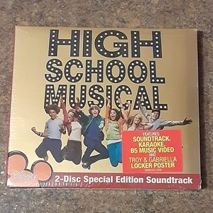 Disney's High School Musical 2-Disc Special Editio